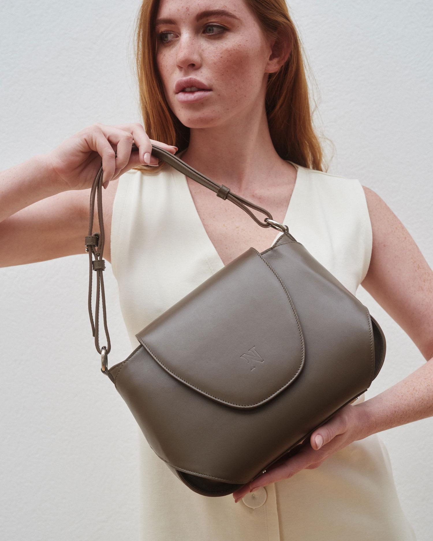 Nantív, Leather Goods that we delight