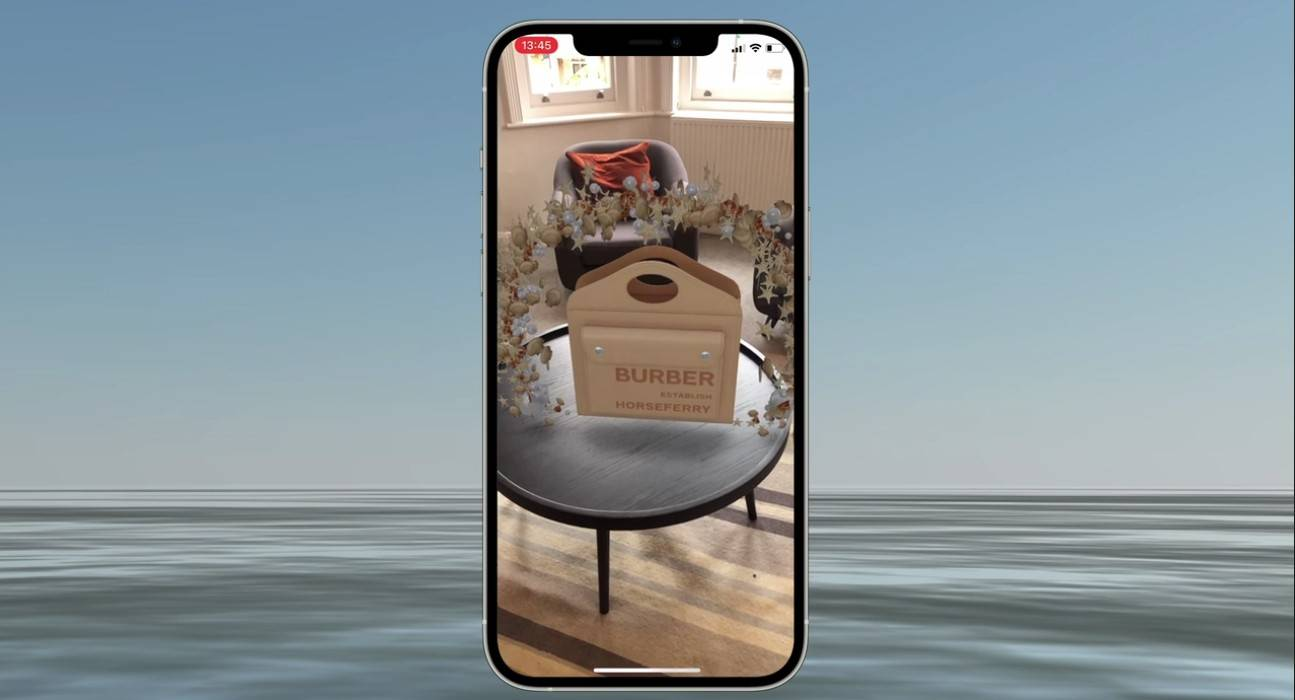 Luxury and augmented reality
